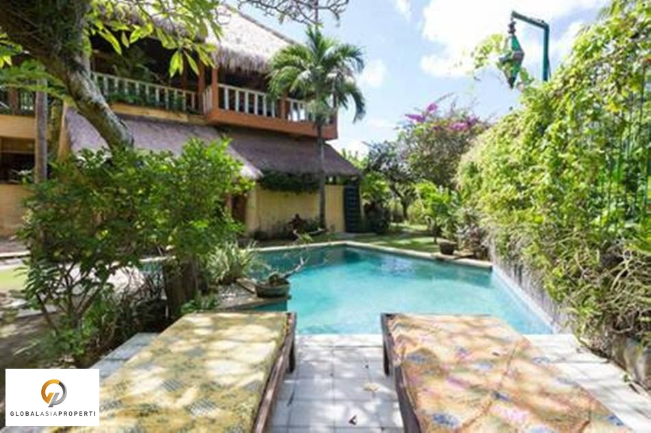 1 13 - TROPICAL GRANARY STYLE VILLA INCLOUDING LAND IN SEMINYAK FOR SALE