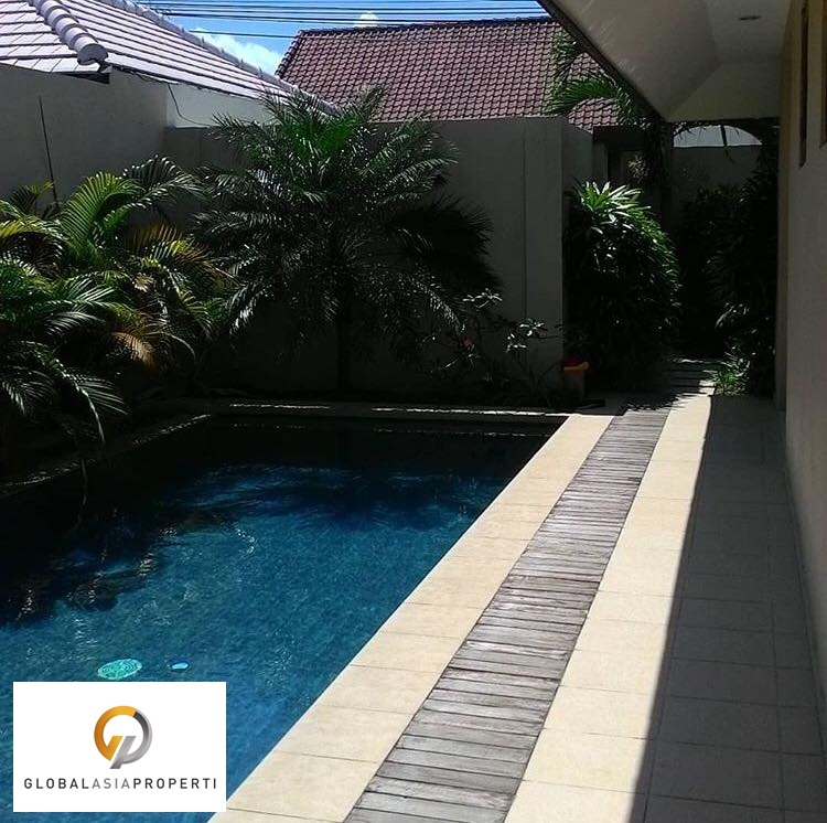 1 7 - BEAUTIFUL VILLA IN KEROBOKAN FOR LEASE