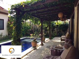 1 8 - CLOSE TO THE BEACH VILLA IN CANGGU FOR LEASE