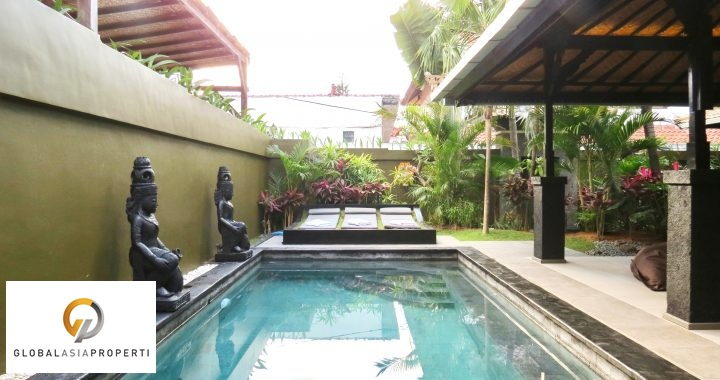 1 32 - BEAUTIFUL THREE BEDROOMS VILLA CLOSE TO THE BEACH AREA OF SEMINYAK FOR LEASE