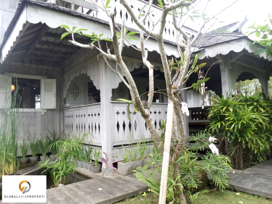 SAM 1763 - BEAUTIFUL WOODEN STYLE VILLA IN BERAWA FOR LEASE